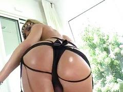 Shemale Aubrey Kate jerking off on cam